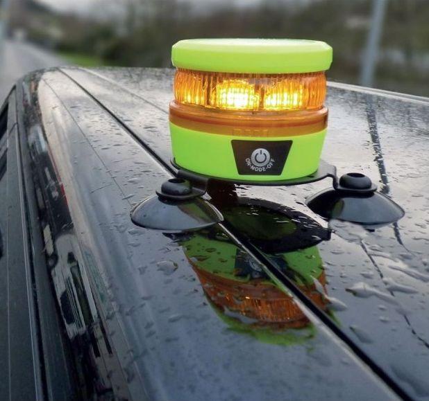 soporte-con-ventosa-para-senal-luminosa-de-emergencia-drive-lit-safe